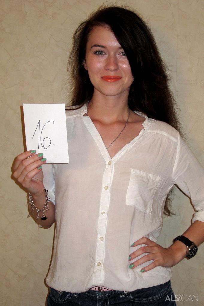 Angie koks lindsey olsen outdoor sex 10