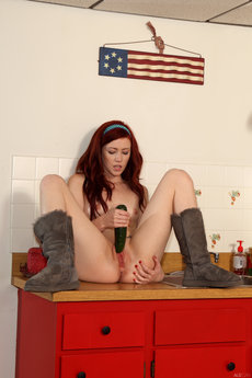 Elle Alexandra And Tamara Jade In Puss In Boots - Picture 14