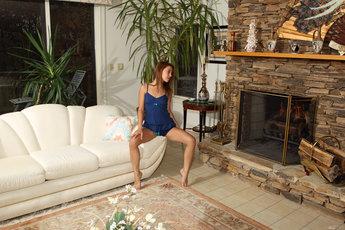 Franziska Facella And Gigi Rivera In Hot Shot - Picture 2