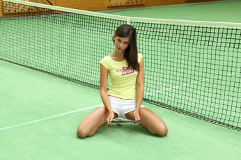 Little Caprice Using The Racquet As A Toy On The Tennis Court - Picture 4