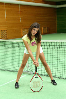 Little Caprice Using The Racquet As A Toy On The Tennis Court - Picture 3