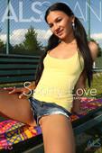 Kiera R, Lola - Sporty-Love